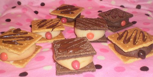Make your own Mammo-Grahams for Breast Cancer Month!