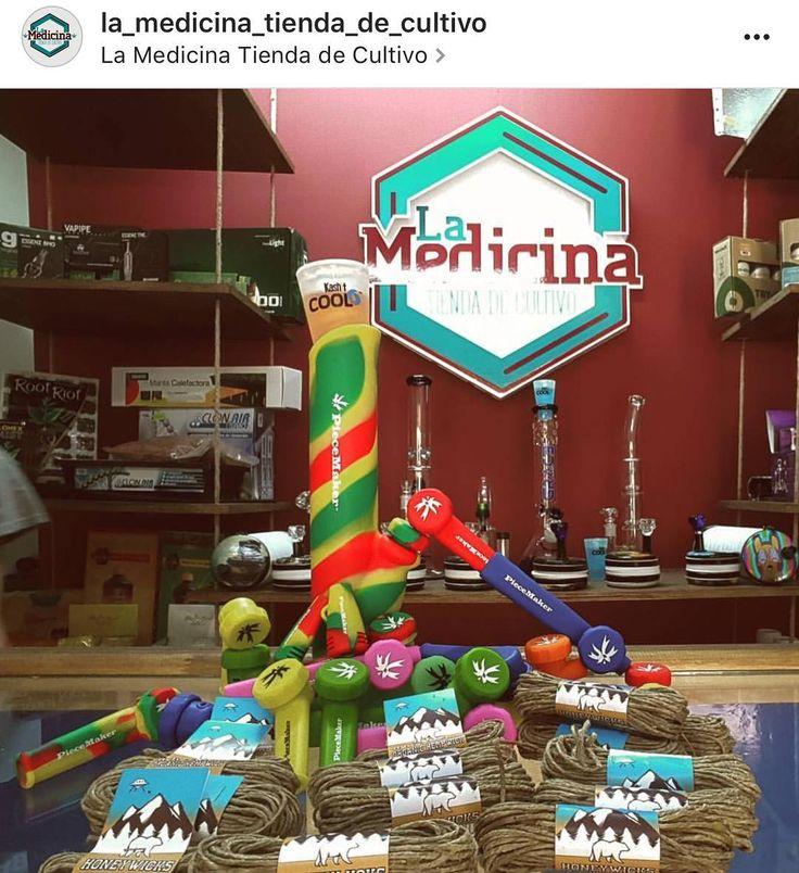 @la_medicina_tienda_de_cultivo stocked with the @honeywicks and @piecemakergear combo. @expoweed Blaze your own trail. #piecemakergear.com #piecemaker #blazeyourowntrail #byot #expoweed #puentealto #chile #santiago #vivachile #instachile #buenosdias #marihuana #marijuana #bong #420 #stoner #headshop #moderntrail #siliconebong #adventureanywhere #weedstagram #uruguay #hightimes #cannabischile #bigindustryshow #montevideo  #champstradeshow  @en_vola @quema_smokeshop @chileweed @froggy_chile…