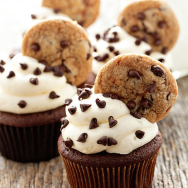 Chocolate chip cupcakes: Cookies Dough Cupcakes, Chocolate Chips, Recipe, Chocolates Chips Cookies, Food, Cookie Dough, Cookies Cupcakes, Chocolate Chip Cookie, Cupcakes Rosa-Choqu
