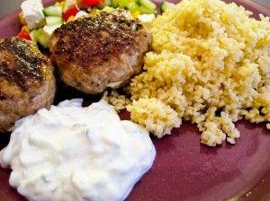 Köttfärsbiffar med fetaost och soltorkade tomater   Recept från Matskafferiet
