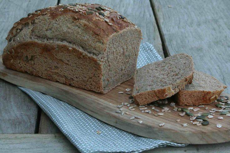 Zelf speltbrood maken. Recept > www.lekkeretenmetlinda.nl