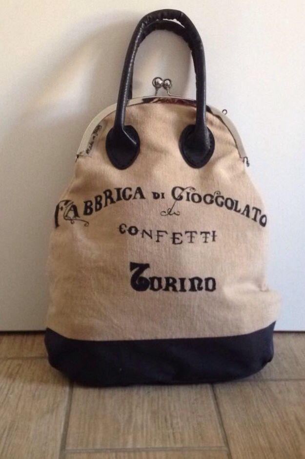 Hand painted bag. Made in Italy. https://www.facebook.com/Claire-bags-and-more-1073212409356478/