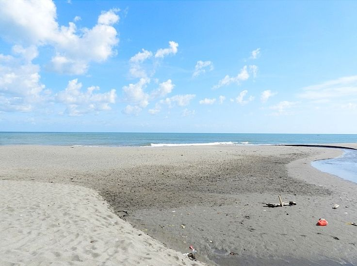 Located within the prime and highly sought after area of Pantai Brawa this section of land measuring 2900m2 is a must see. The land and the famous Brawa beach is separated by a small river with very scenic unblock able ocean views and good road access. This is a very rare opportunity to invest into a prime section of land that has massive potential for development and capital appreciation. This would be a very suitable location to develop one or