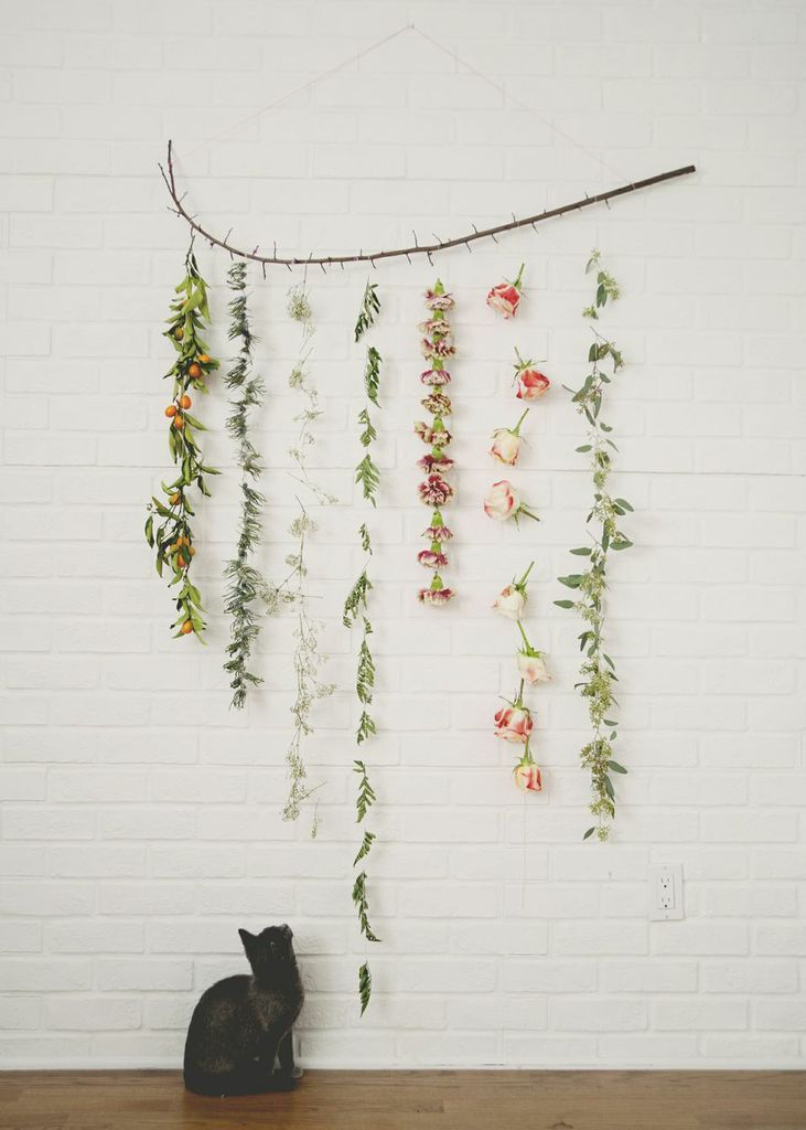 DIY: Flower Garland Wall Hanging / Backdrop.