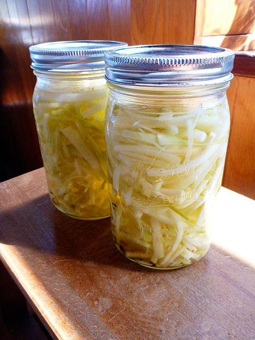 Kohlrabi pickles
