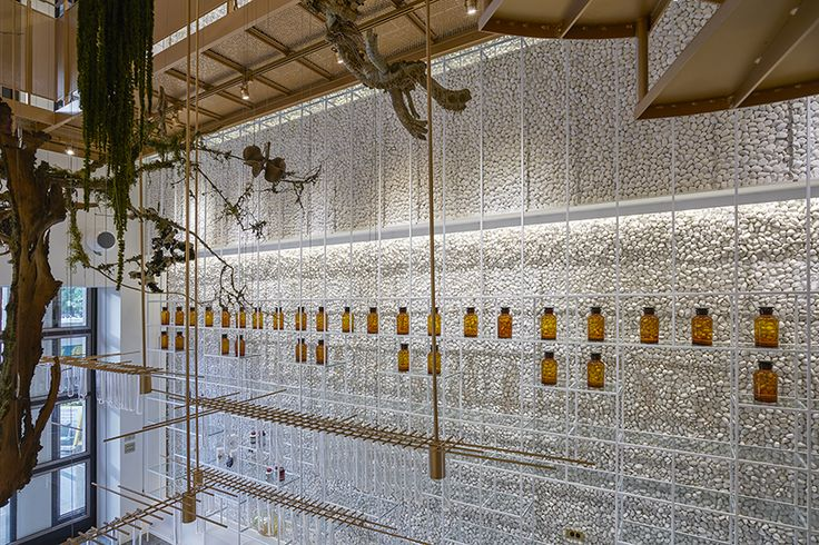 molecure pharmacy hopes to subvert the traditional image of the pharmacy and mold it into the diversified modern environment of taiwan.