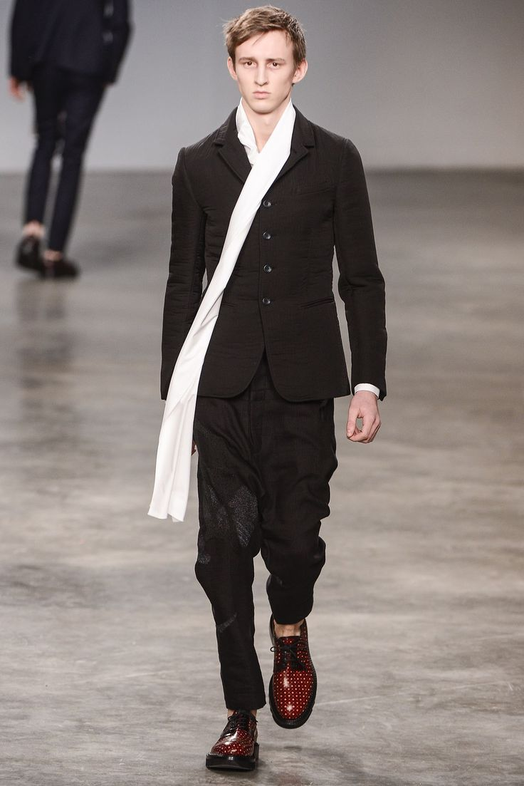 John Galliano Fall 2013 Menswear Fashion Show