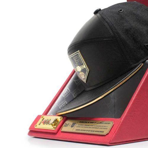 """* Melin Headwear Releases Limited Edition *  $$$  Le produit lui-même utilise des matériaux tels que :    La partie frontale en cuir Nappa et visière supérieure.  Intérieur en laine de cachemire Premium Tuxedo.  Cuir nappa en or métallique.  Logo """"debout thermique"""" """"LA Kings""""."""