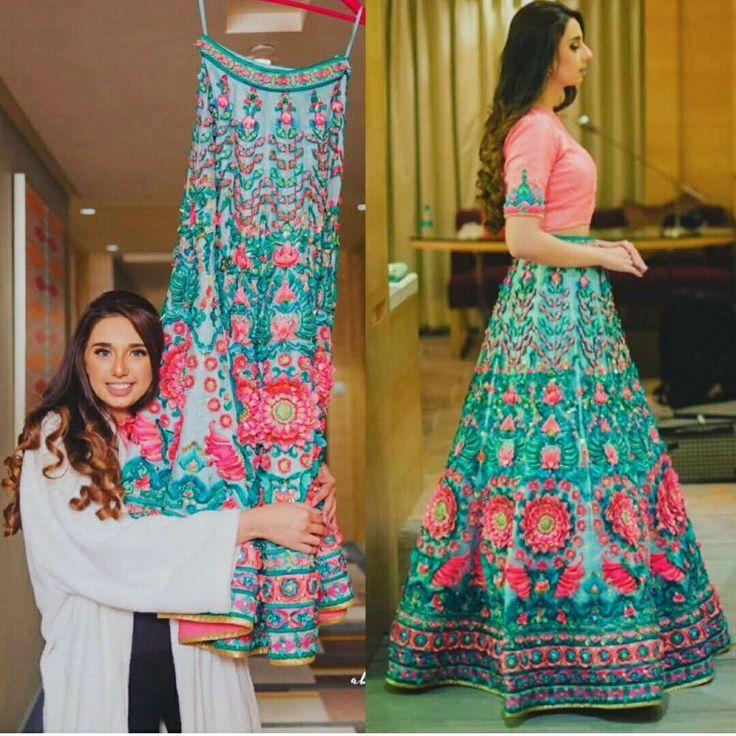 #manisharora #lehenga #bridallehenga #indianbride #indianwedding #weddingbuzz #bridalmakeup #photography