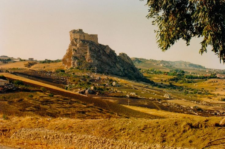 Castello Manfredonico, Mussomeli, Sicily, Italy.