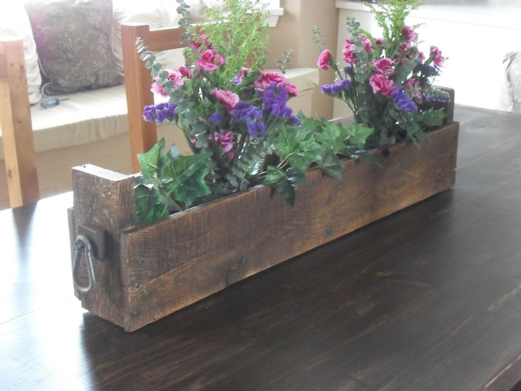 pallet flower center piece...further down blog great idea for pallet wood stars