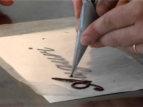 ▶ Scritte di cioccolata per torte @ Benvenuti a Tavola 08.07.2011 - YouTube