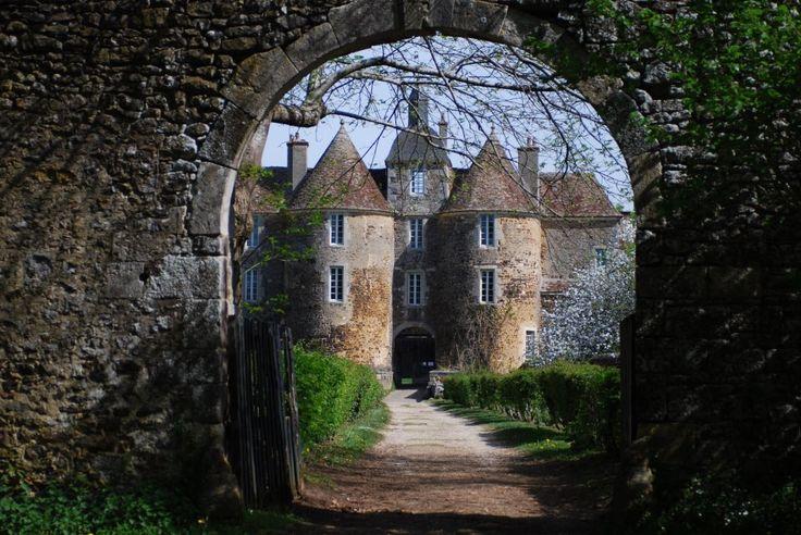 Château de Ratilly en #Puisaye dans l'Yonne en Haute-Bourgogne