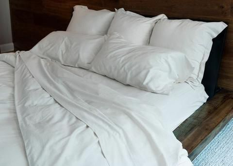 Do you use a duvet or a top sheet? Where you live might be the reason why. Find our more!