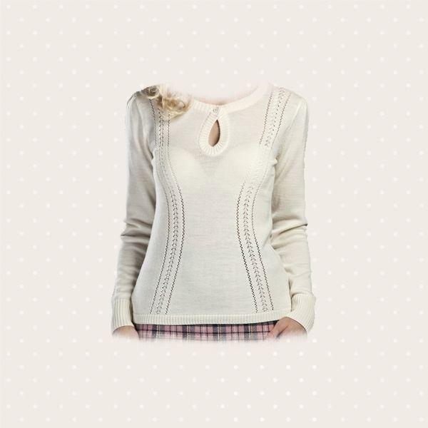 Maglioncino color bianco crema, con scollo a goccia e punzonatura a pizzo.