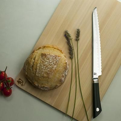 Enjoy your favorite slice of bread, or cut an elegant sice of dessert with the Shun Sora 9 Inch Bread Knife. Elegantly designed and comfortable to use, the Shun Sora Bread Knife wil glide easily and smootly into hard crust artisan breads, and soft asian style bao with ease. The versatile and modern design makes a great gift for any home cook or chef!