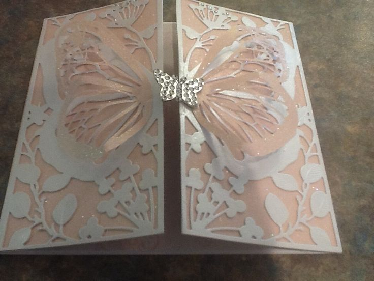 Made by Marion Beard - I used the MARIPOSA die for this card
