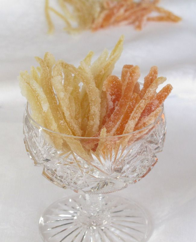 How to make candied grapefruit and lemon peels. Easy and a wonderful holiday gift, not to mention delicious.