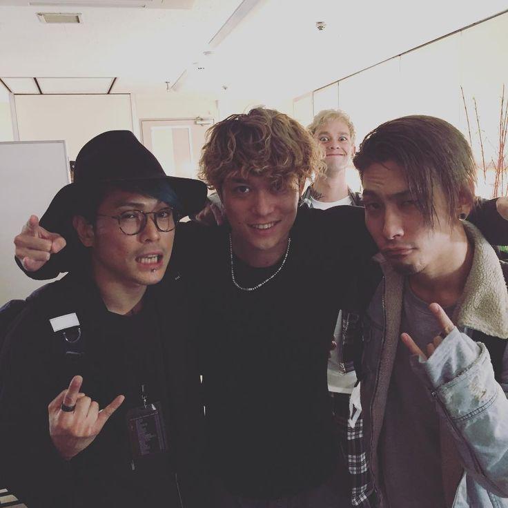"""いいね!4,514件、コメント92件 ― Kazuya """"Sugi"""" Sugiyamaさん(@sugi_coldrain)のInstagramアカウント: 「なにかが写り込んでますが..ギターチームで#oneokrock #coldrain #masato」"""