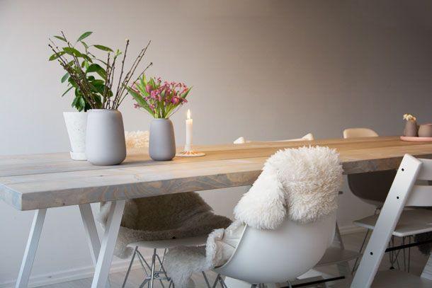 DIY til hjemmelavet spisebord med drivtømmer look - et rigtigt langbord med plads til mange mennesker - se billeder og vejledning her