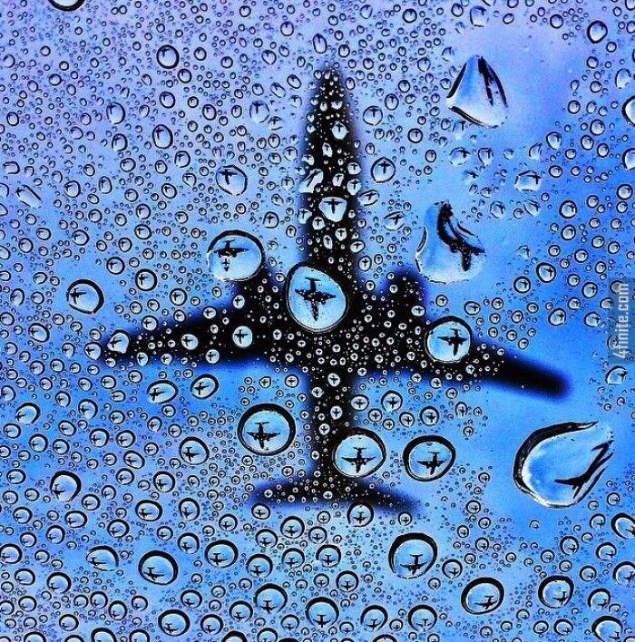 Tek Bir Karede Binlerce Küçük Uçak - Yaratıcı Fotoğrafçılık - 4finite.com