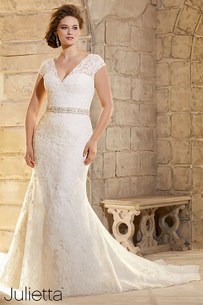 """""""If you're petite or pear-shaped, consider this lacy sheath by Mori Lee. The allover lace and slim silhouette help to create the illusion of height, and the wide straps will balance out a heavier bottom."""""""