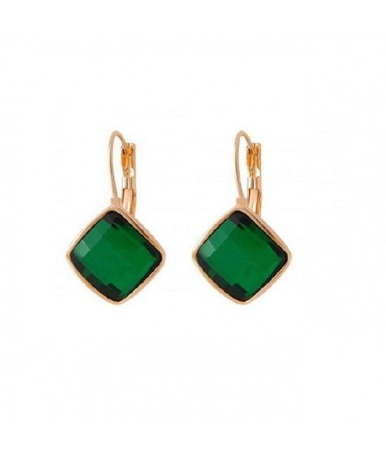 Cerceii Green Touch au un design clasic, iar datorita cristalului de culoare verde cu reflexii stralucitoare adauga o nota distinctiva si culoare outfiturilor elegante, office sau smart casual.Sunt cadoul ideal pentru doamnele si domnisoarele ce adopta un