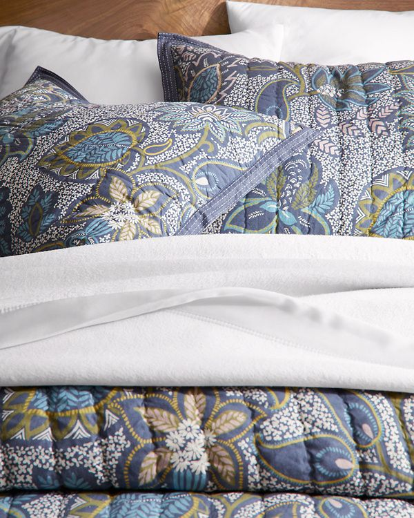 Vienne Paisley Quilt and Sham Hill Paisley