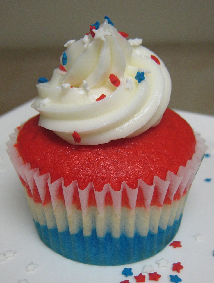 Independence Day Cupcakes - Do red & white for Canada Day