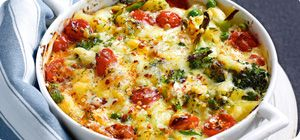 easy #comfortfood dinner: cheesy #chicken, veggie and rice bake