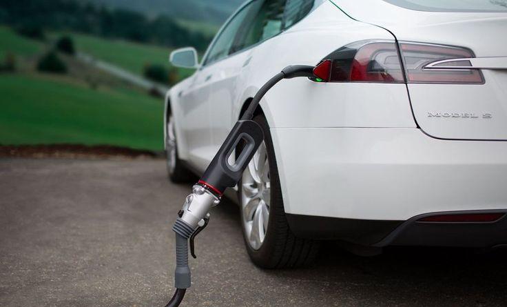 Ultra szybkie ładowarki dla samochodów elektrycznych w Polsce? To nie bajka. Szykuje sięwspólny projekt dużych koncernów. #bmw #ford #daimler #volkswagen