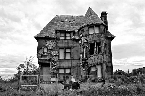 Verlaten huis ''spookhuis''