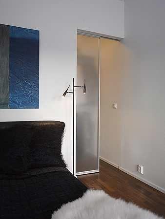 Liukuovet voivat toimia myös huoneenovena säästäen tilaa tavalliseen huoneenoveen verrattuna.