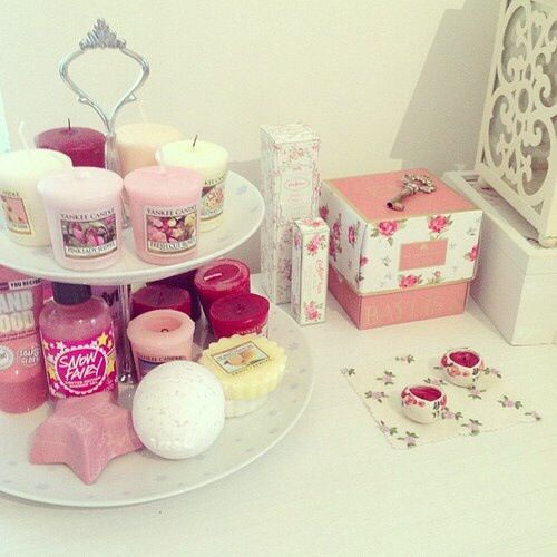 26 best images about my bathroom on pinterest bathrooms for Girly bathroom accessories