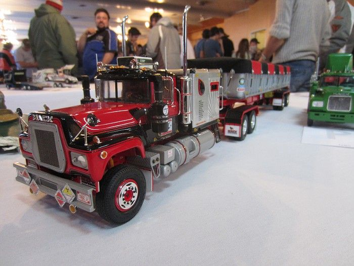 Semi Tractor Accessories : Scale mack trucks visit at http raneystruckparts