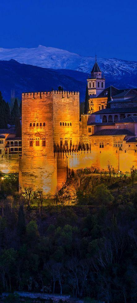 La Alhambra, Granada. Recuerdos de los días de sol y amistad.