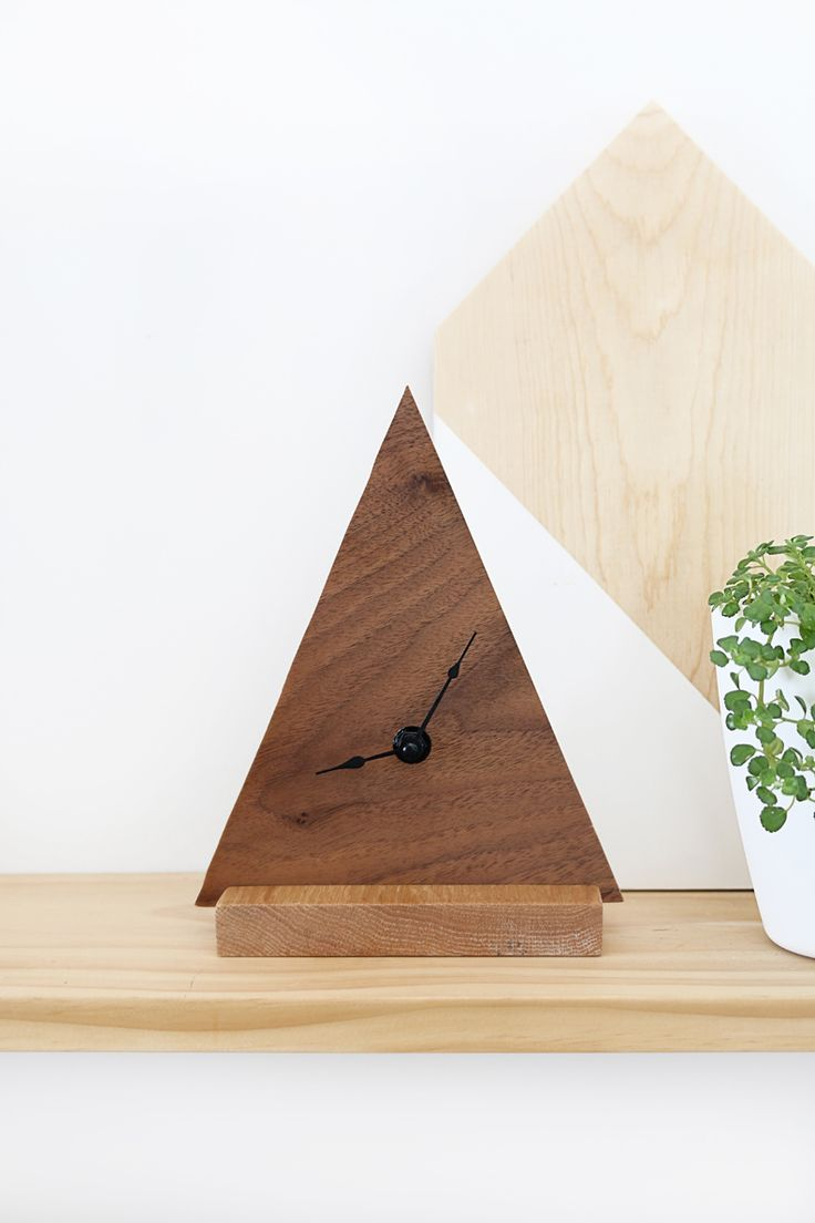 DIY Minimal Triangle Clock
