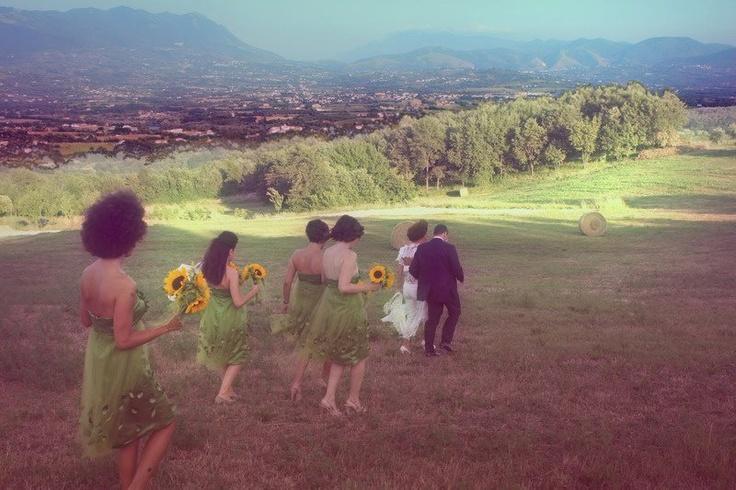 Scopri piccoli suggerimenti per festeggiare il giorno delle nozze in armonia con la natura.  www.selvanova.com