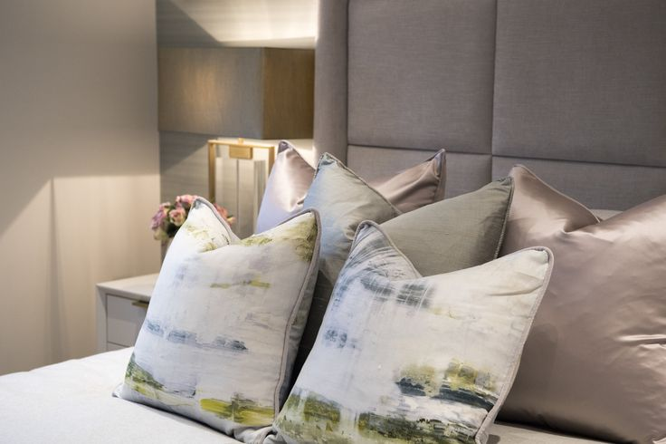We used these elegant Black Edition #cushions to bring a touch of colour to the neutral hue of the room - part of the fine linen 'Desire' collection by Jessica Zoob featuring a contemporary impressionist painting with a still, reflective mood. #interiordesign #luxurylife #luxury #london #luxuryproperty #luxuryhomes #londonproperty #luxuryinteriors