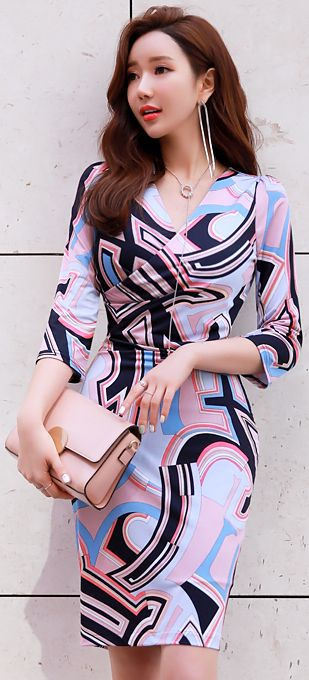 StyleOnme_Retro Print V-Neck Wrap Style Dress #feminine #elegant #chic #dress #koreanfashion #spring #kstyle #wrapdress #kfashion #seoul
