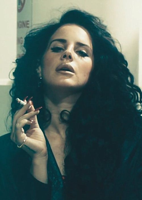 Lana Del Rey trying to be sexy smoking is just stinky