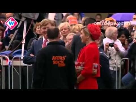 Koning Willem Alexander en Koningin Maxima in gesprek met Ayers Rock Zoetermeer