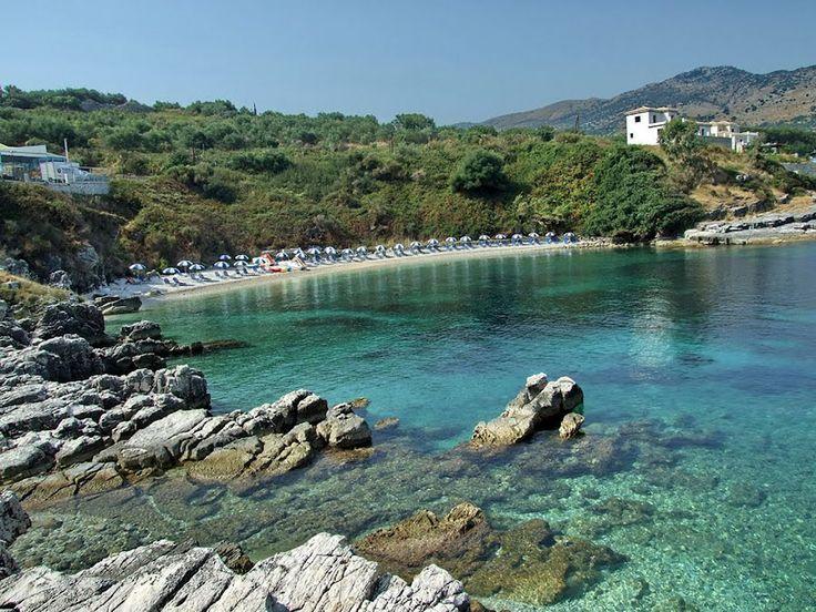 Κέρκυρα - Πίπιτος...Από τις ομορφότερες παραλίες στην Κασσιόπη, με ψιλό βότσαλο,άμμο και κρυστάλλινα, σχεδόν διάφανα, νερά!