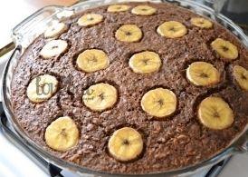 Шоколадно-овсяный пирог с бананами