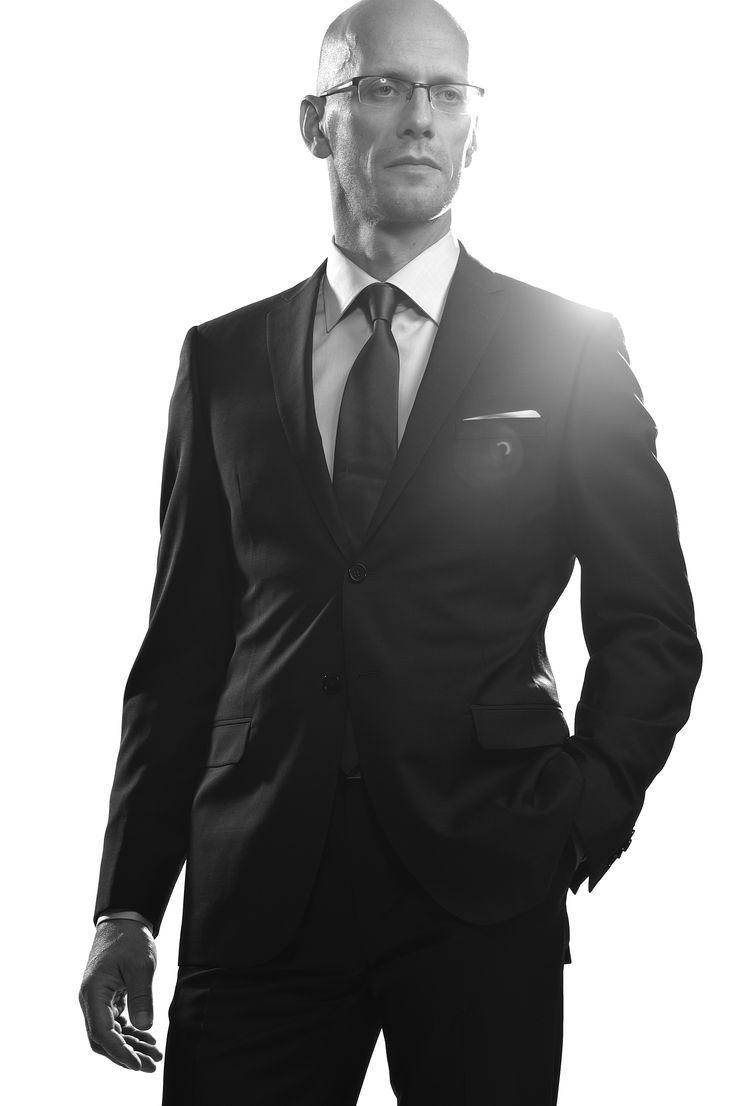 """Мужское моделирование и мужской дизайн в дорогом сегменте является очень узким клубом знатоков, хотя одеждой занимаются многие. """"Эверест"""" мужской серьезной моды - Италия. Мужская одежда должна создаваться в Италии. VASSA идет именно этим путем. (В. Грановский, президент VASSA) #vassa #style #fashion #men #look #trend #collection #vassa_co #collection_for_men #businessman"""