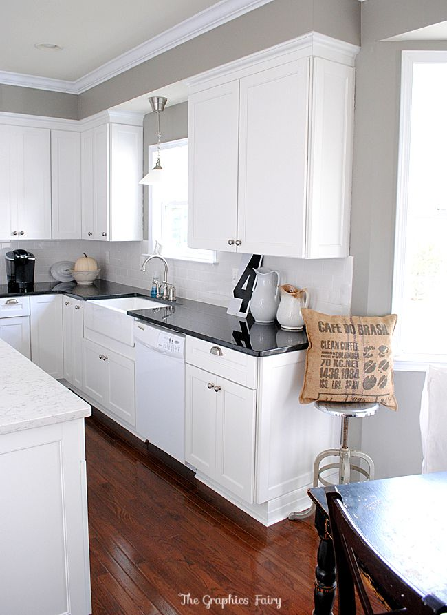 This Kitchen Reno is AMAZING! I could totally see myself having a kitchen like this some day.