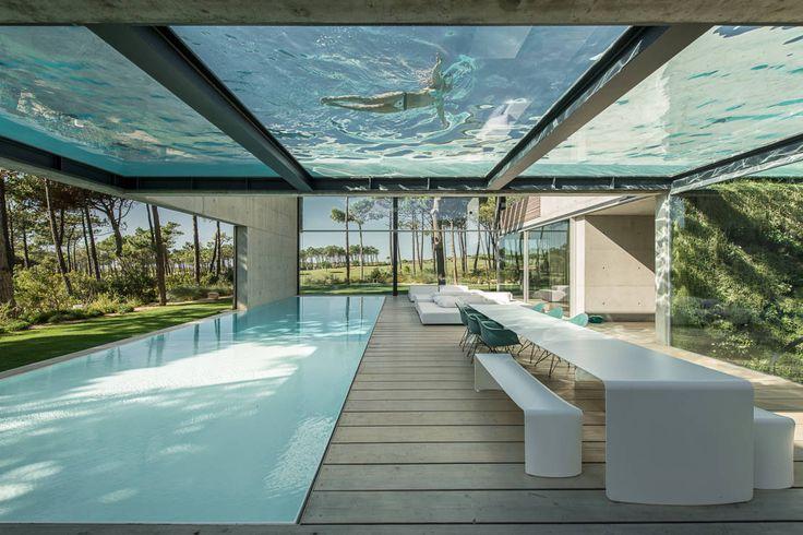 Balcone, Veranda & Terrazza in stile minimalista di guedes cruz arquitectos