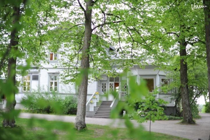 Aistikas huvilarakennus Krapihovi Tuusulassa.