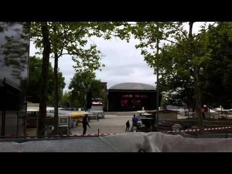 Sunrise Avenue Hannover 23 05 2015 Soundcheck Samu deutsch - YouTube