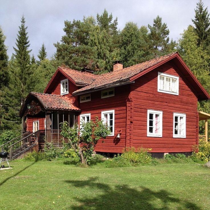 Vanha torppa. Gamla Fältasgården. Old traditional country house in Finland.